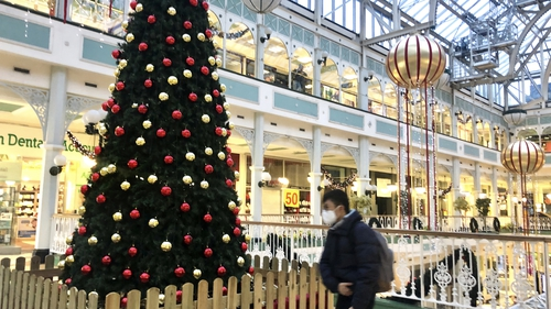Christmas preparations are under way in Dublin city centre (Pic: RollingNews.ie)