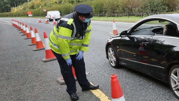 Gardaí have operated 132 checkpoints a day on major roads since Level 5 restrictions were introduced | Image: RollingNews.ie