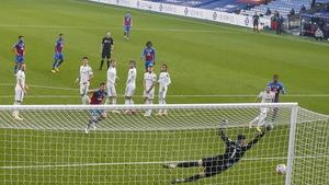 Eberechi Eze found the net
