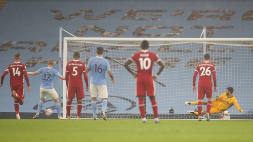 Kevin de Bruyne sends his penalty wide at the Etihad