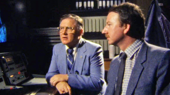 Astonaut Don Lind and RTÉ reporter Leo Enright (1985)