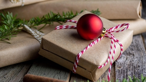 Thoughtful Christmas Gifts To Send Abroad This Year