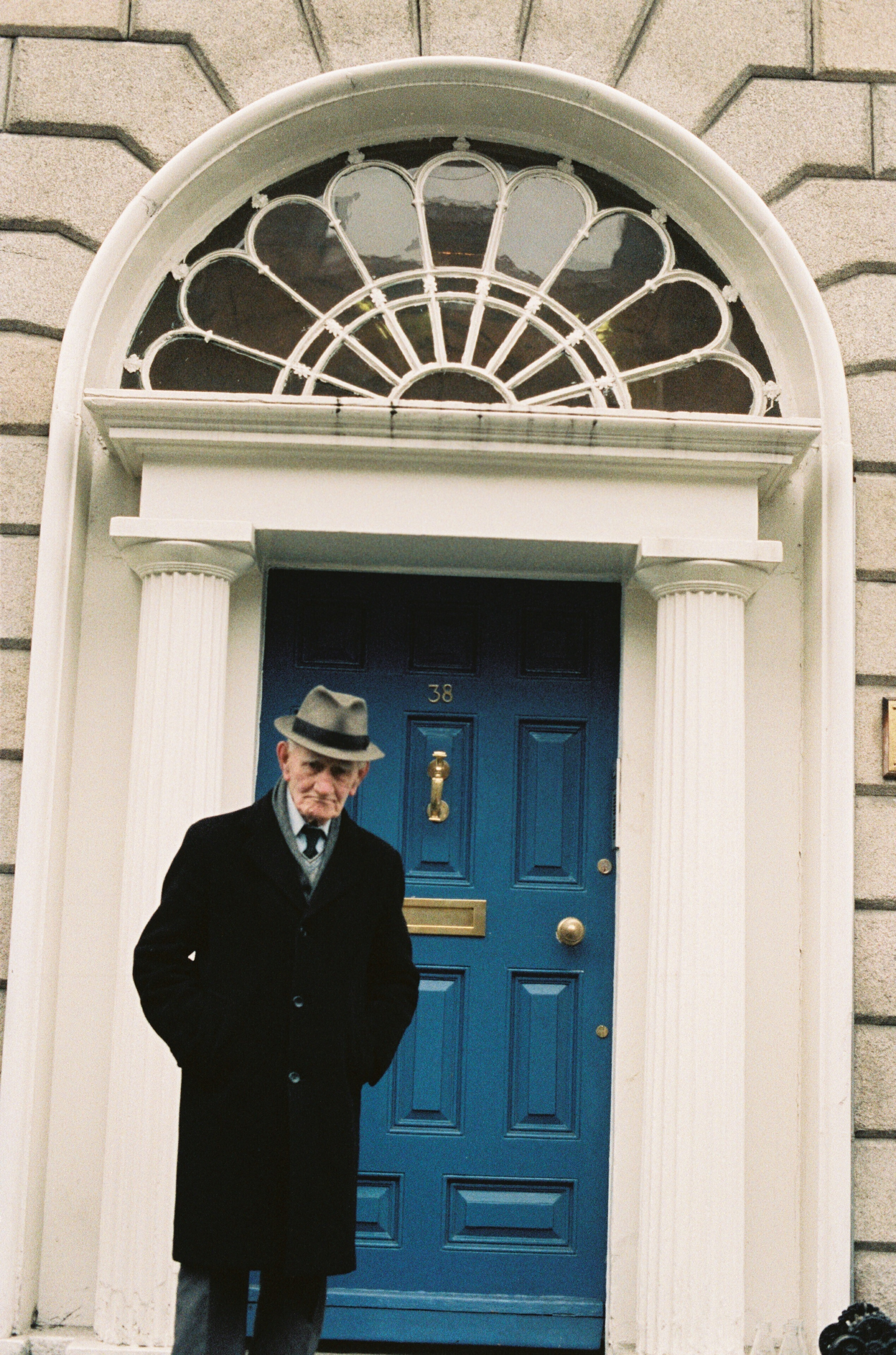 Image - IRA man and member of 'The Squad' Vinnie Byrne outside 38 Mount Street Upper, 1987 (Credit: RTE Stills Library)