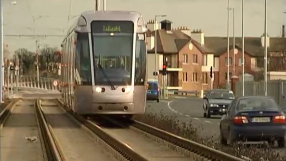 Luas on Red Line at Suir Road in 2006.