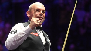 Stuart Bingham's title defence remains on course