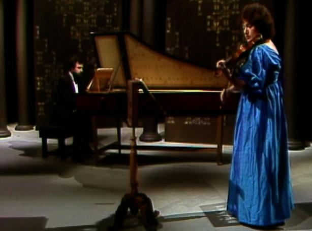 Malcolm Proud (harpisochord), Rachel Isserlis (violin)