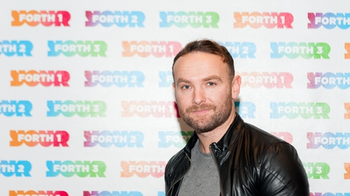 Kevin Simm replaces Marti Pellow
