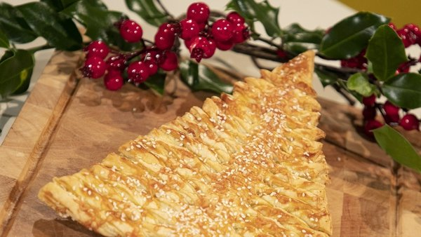 A show-stopper for your Christmas table.