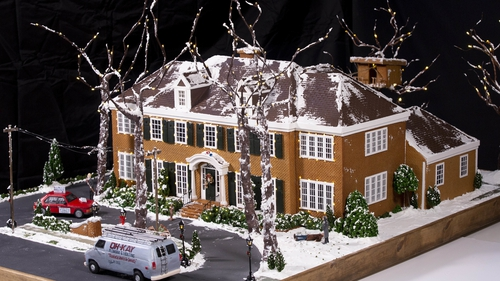 Home Alone - gingerbread style!