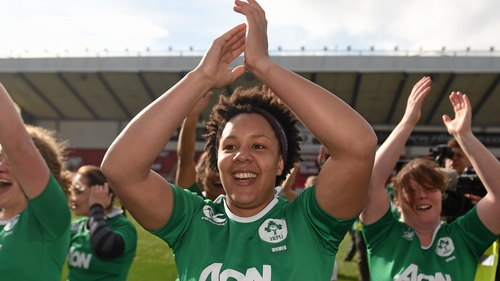 Sophie Spence celebrates winning the Women's Six Nations title in 2015