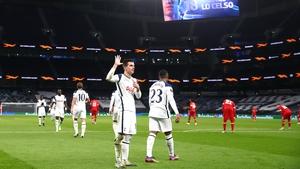 Giovani Lo Celso of Tottenham Hotspur celebrates