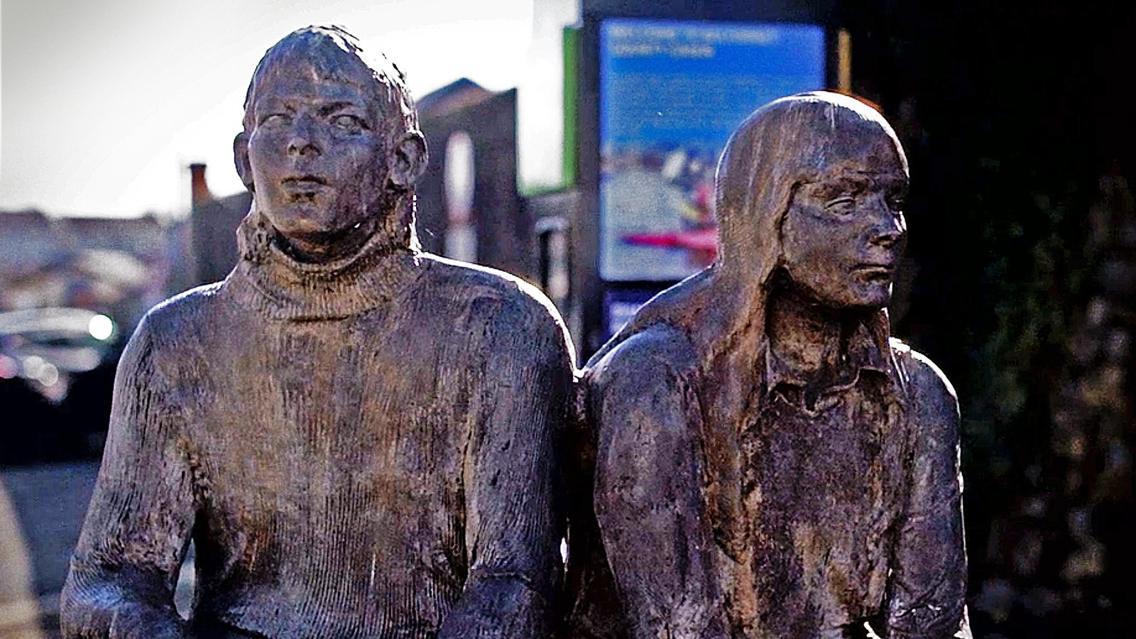 Image - The bronze sculptures of Geraldine O'Reilly and Paddy Stanley on Main Street in Belturbet