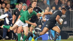 Julian Savea evades the tackle of Rob Kearney - second test in 2012