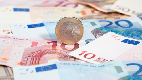 Gross domestic product in the euro zone fell by 0.7% on a quarterly basis in the fourth quarter of last year
