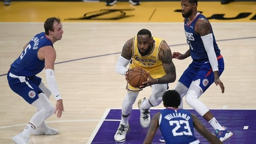 LeBron James was the top scorer for the Lakers on 22