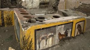 The termopolium was found at the Regio V site
