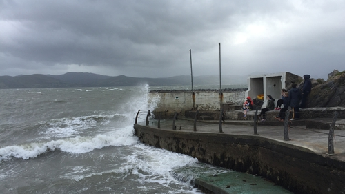 There will be around three hours of diving time at high tides in Fenit