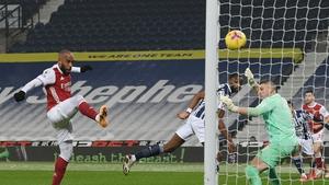Alexandre Lacazette scores Arsenal's fourth