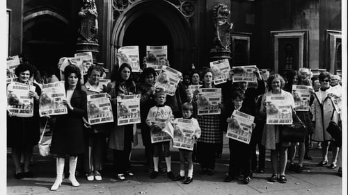 Anti-internment protesters outside the House of Commons in London in 1971. Photo: Hulton-Deutsch Collection/ CORBIS/Corbis via Getty Images