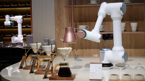 LG's CLOi CoBot Barista robot was a big hit at last year's CES