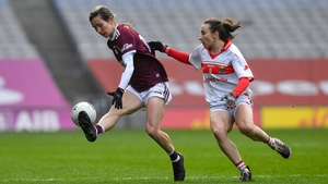 Tracey Leonard in action against Cork