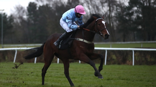 Paul O'Brien partners Eileendover to victory at Market Rasen