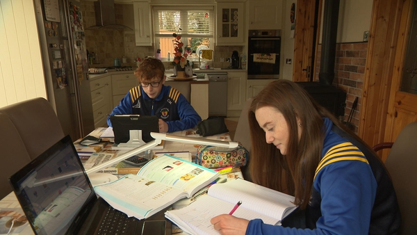 Cian and Leah Murray say live classes at the same time can cause issues