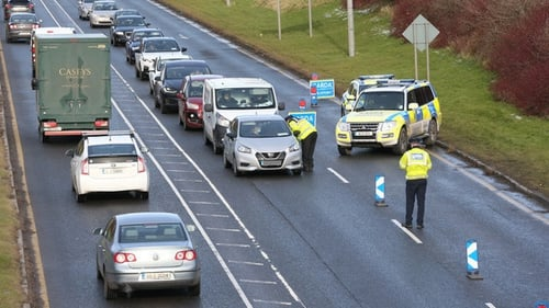 Garda checkpoint in Santry today on the way to and out of Dublin Airport (Pic: RollingNews.ie)