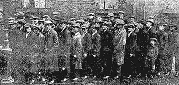 Queue waiting outside the Mansion House in Dublin on 26 January waiting to be admitted into the public meeting on the unemployment crisis in the city Photo: Freeman's Journal, 27 January 1921
