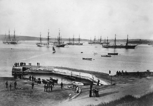 circa 1867: A view across Sydney Harbour, New South Wales in Australia. (Photo by Hulton Archive/Getty Images)