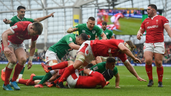 For fans who have colour vision deficiency, the green/red kit clash between Ireland and Wales causes some problems