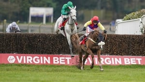 Native River stayed on best in testing conditions at Sandown