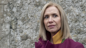 In reporter mode, Caitríona discovers that Laoise blames Emma and is determined to get to the bottom of it
