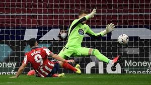 Luis Suarez scores his second goal