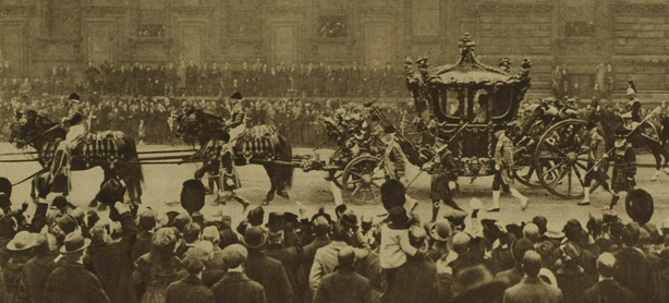 The king arriving at Westminster Photo: Illustrated London News, 19 February 1921.