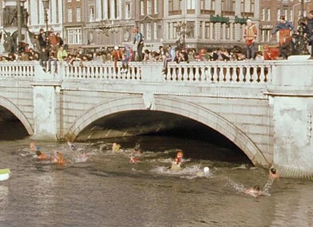 O'Connell Bridge Jump, Youngline (1981)
