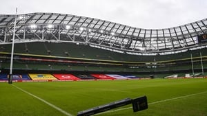 It's a wet and windy day at Lansdowne Road