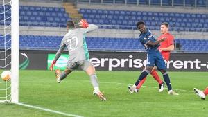 Bukayo Saka scores for Arsenal