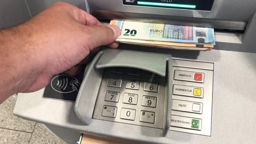Banc Uladh lena gcuid gnósa Stát a scor