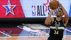 Giannis Antetokounmpo starred for the Bucks