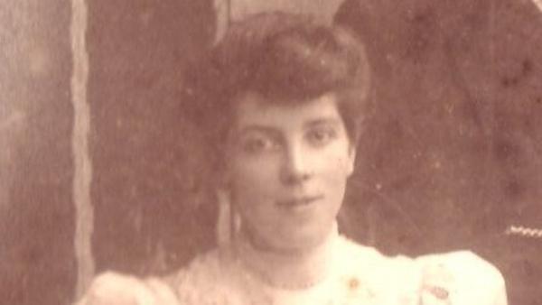 Ellen O'Mara Sullivan in 1905. Photo: Courtesy of Mark Humphrys https://humphrysfamilytree.com/