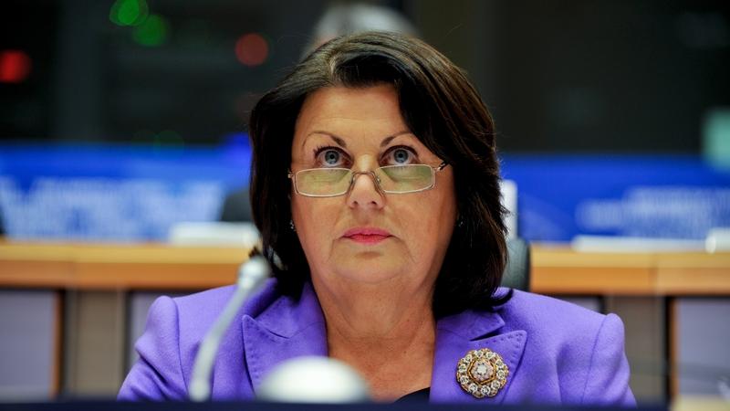 Is as Carna ó dhúchás don Dr. Máire Geoghegan-Quinn.