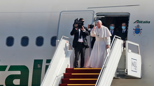 Pope Francis bids farewell at Baghdad's airport