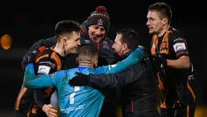Dundalk goalkeeper Alessio Abibi celebrates with Filippo Giovagnoli, Giuseppi Rossi, Darragh Leahy and Raivis Jurkovskis