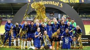 Chelsea players celebrate with the FA Women's Continental Tyres League Cup