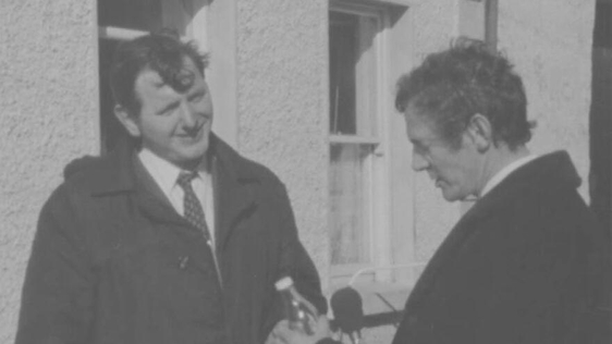 Paddy McGrath and 'Newsbeat' reporter Cathal O'Shannon (1971)