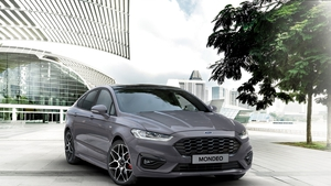 Even going hybrid was'nt going to be enough to save the Mondeo.