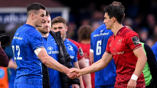 Johnny Sexton shakes hands with Joey Carbery after the 2019 Pro14 semi-final