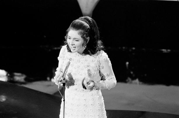 Angela Farrell representó a Irlanda en el Festival de la Canción de Eurovisión (1971) 2110_014