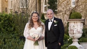 Vanessa Butler tied the knot with just six people in attendance, due to current Level 5 restrictions.